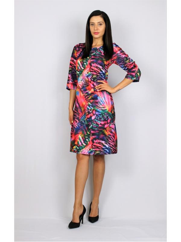 Щампована рокля цветна в лилаво - червено