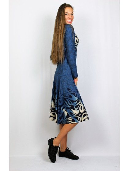 Разкроена рокля с бордюр синьо с бежово