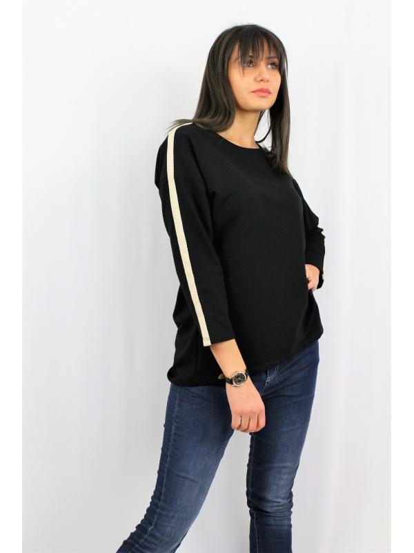 Блуза с кант черна