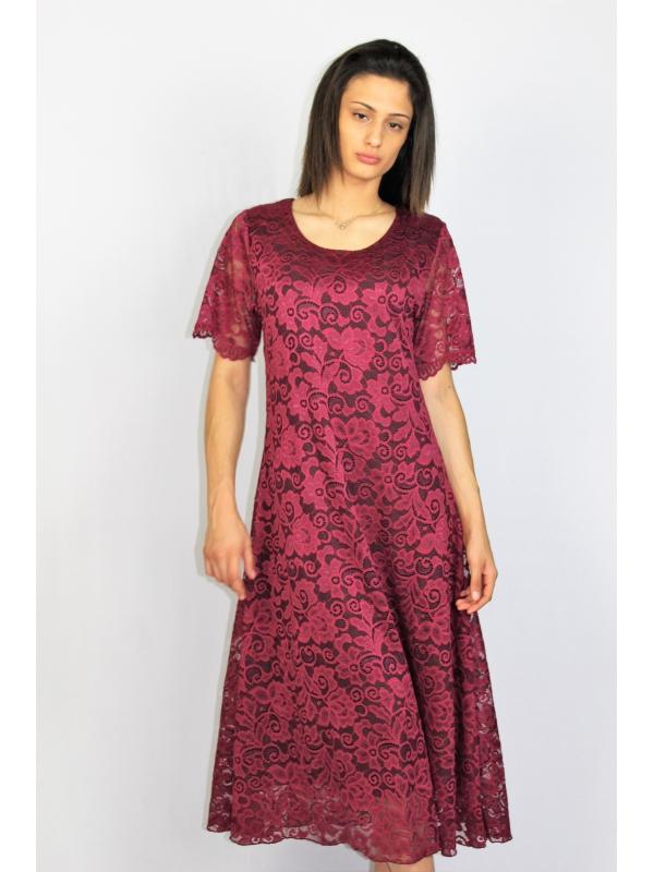 Дантелена рокля бордо