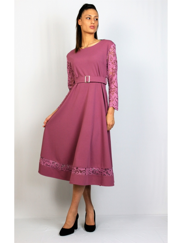 Разкроена рокля с колан пепел рози